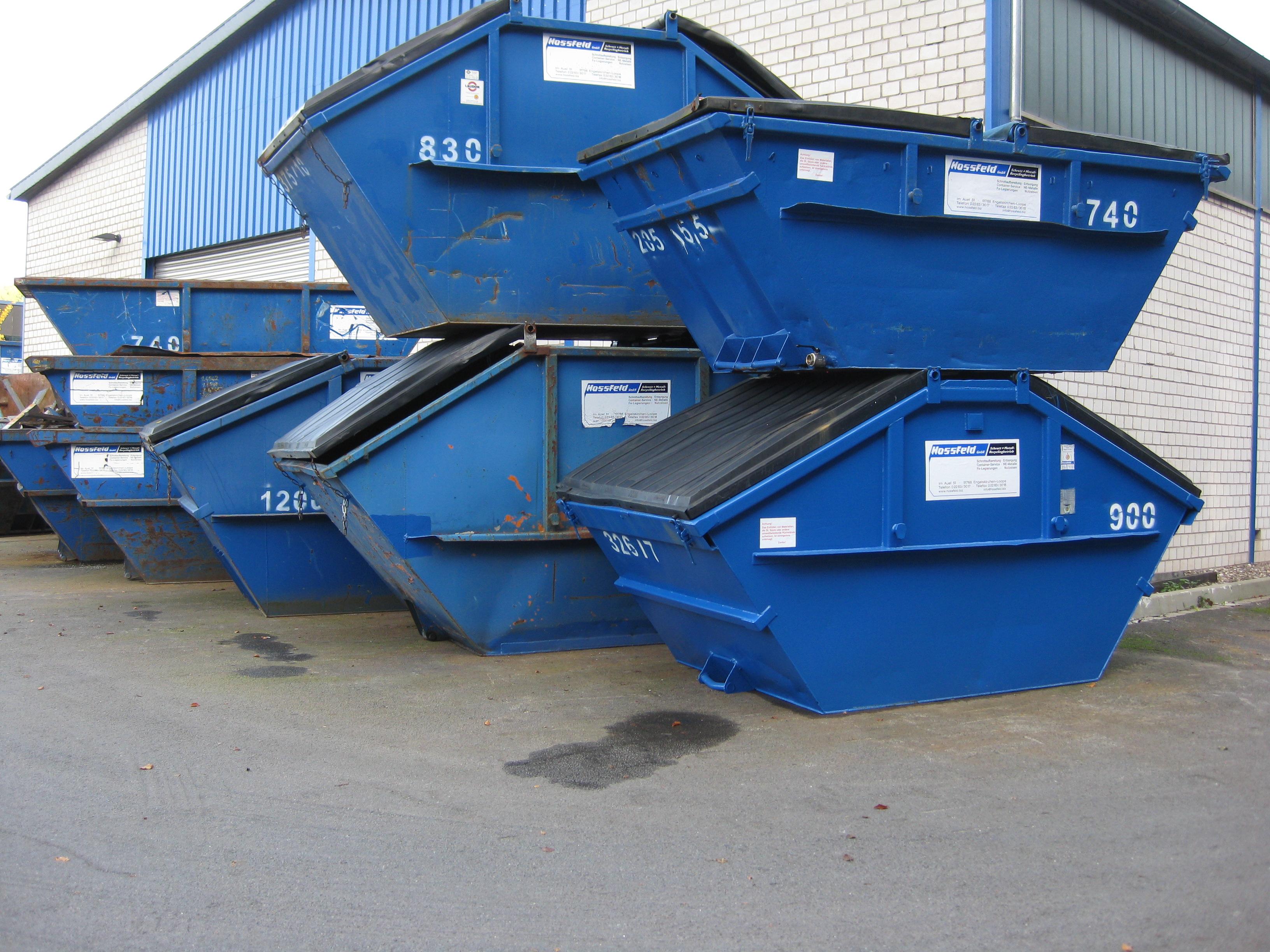 Gedeckelte Absetzcontainer | Hossfeld GmbH in Engelskirchen
