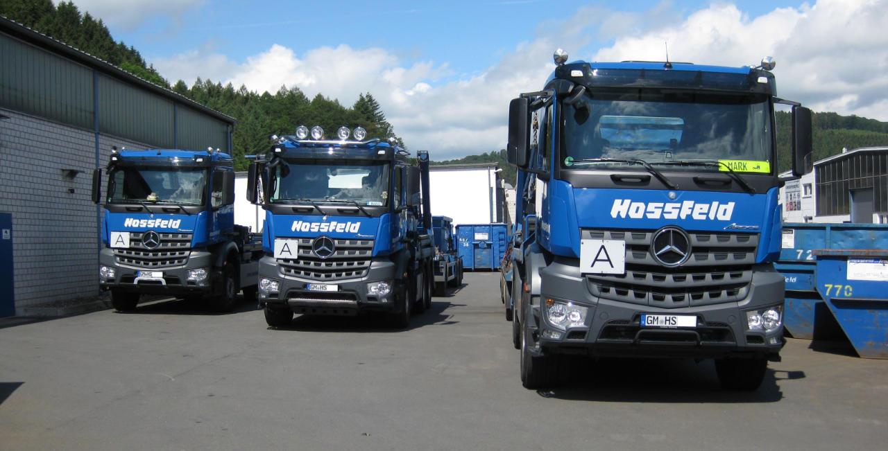 LKWs der Hossfeld GmbH in Engelskirchen | Entsorgung und Recycling